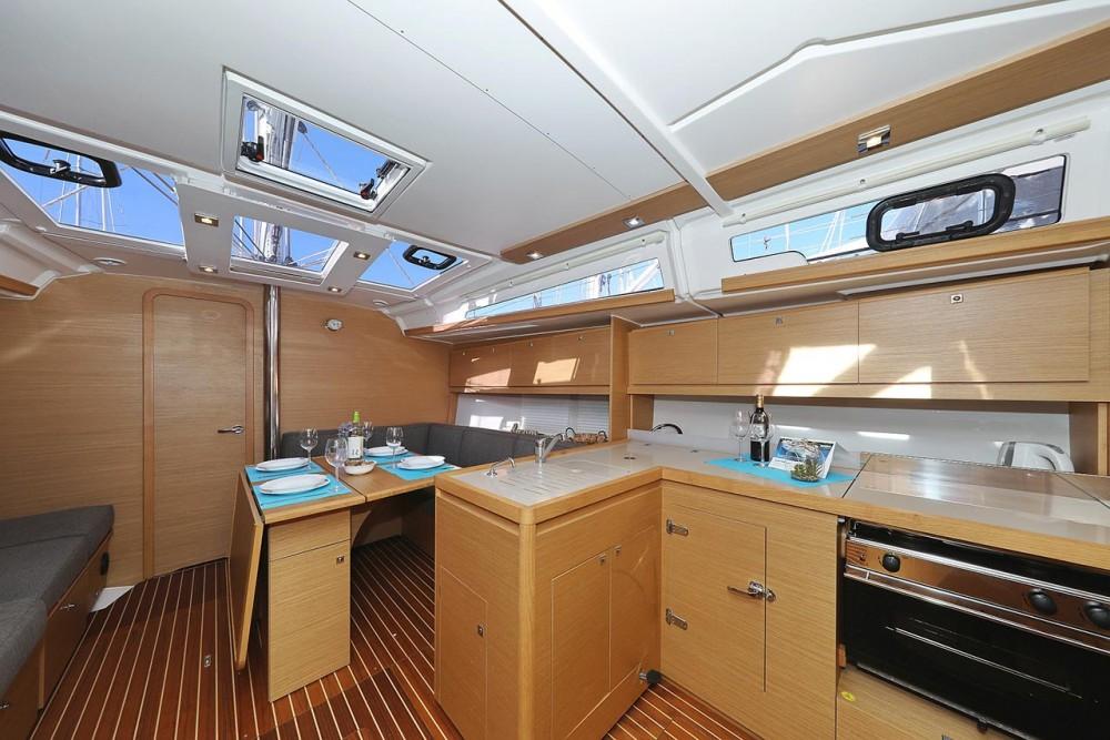 Rental yacht  - Dufour Dufour 390 GL on SamBoat