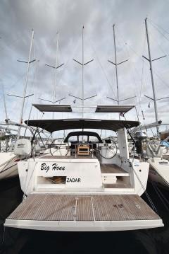 Boat rental Dufour Dufour 520 Grand Large in Trogir on Samboat