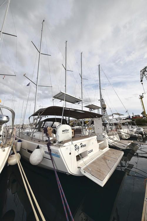 Rental Sailboat in  - Dufour Dufour 520 Grand Large