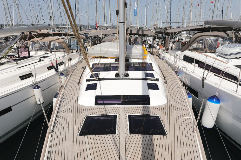 Rental yacht Croatia - Dufour Dufour 520 GL on SamBoat