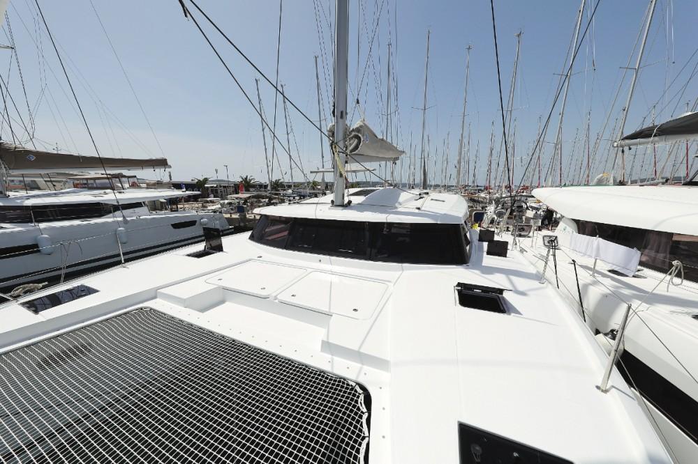 Rental yacht  - Fountaine Pajot Astrea 42 on SamBoat