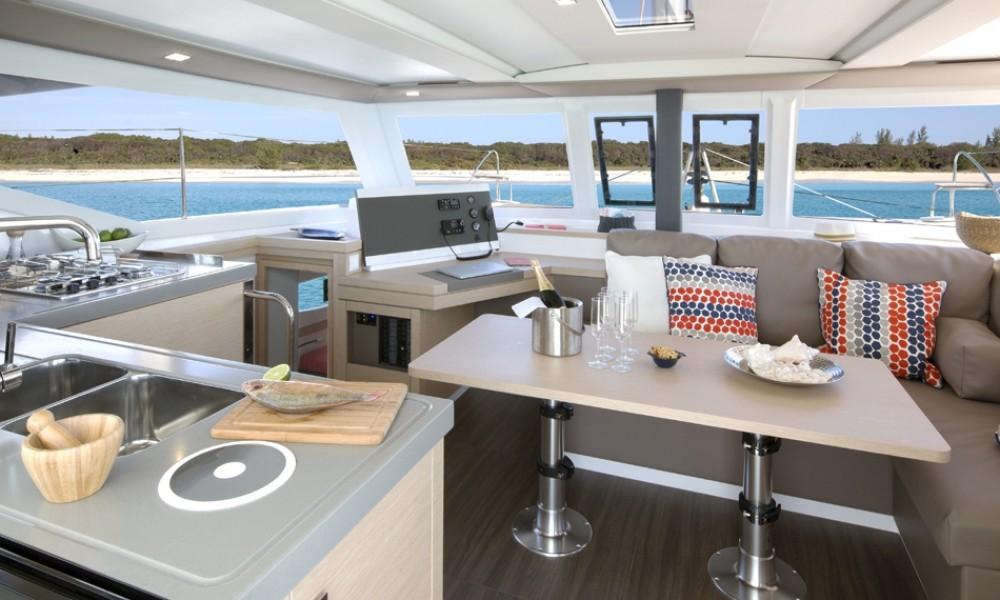Rental Catamaran in Croazia - Fountaine Pajot Lucia 40