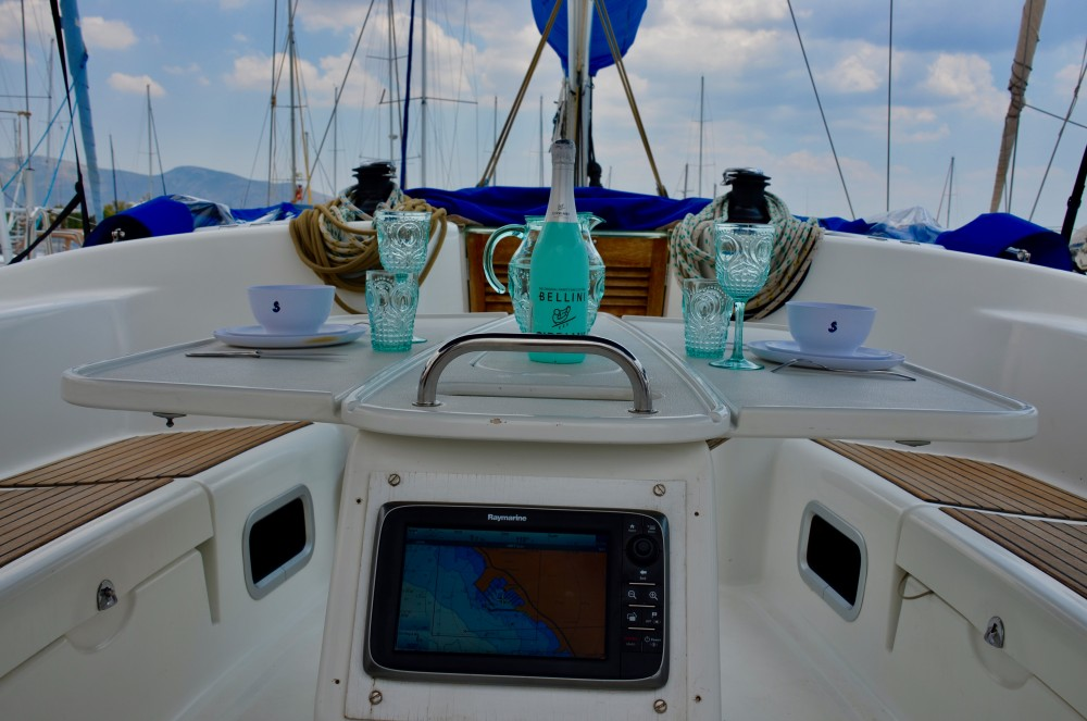 Bénéteau Cyclades 50.5 between personal and professional Álimos