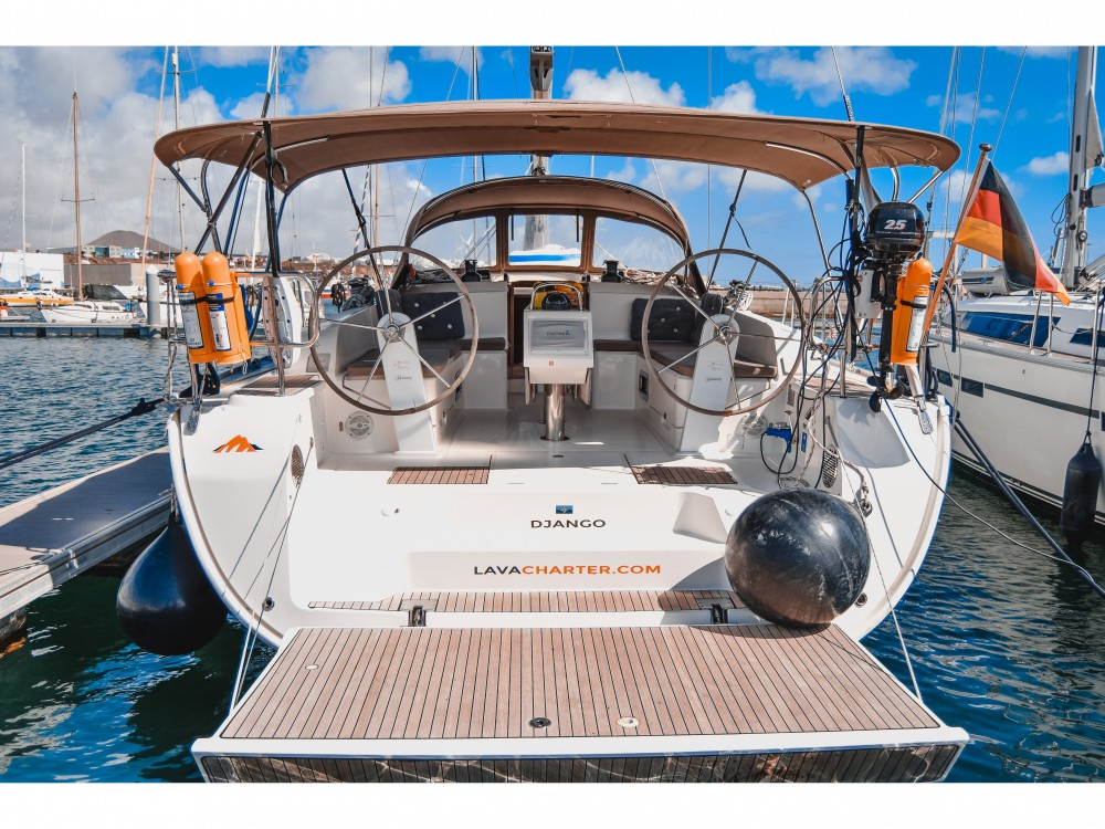 Hire Sailboat with or without skipper Bavaria Arrecife