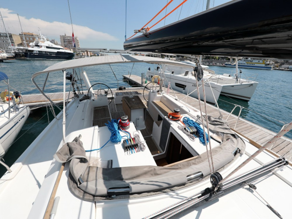 Hire Sailboat with or without skipper Dufour D-Marin Borik