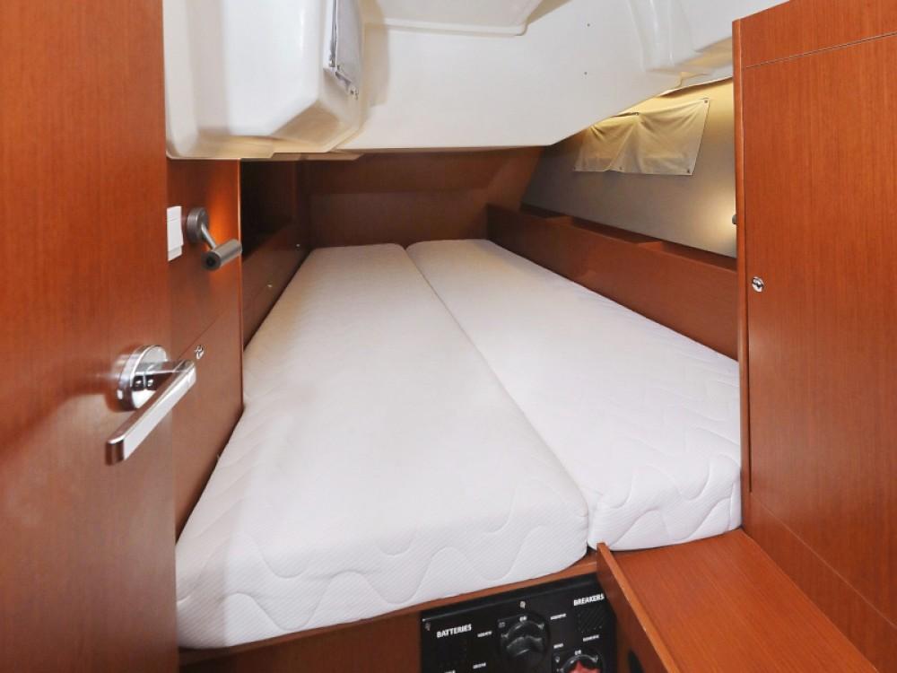 Rental yacht Marina Zadar - Bénéteau Oceanis 41.1 on SamBoat