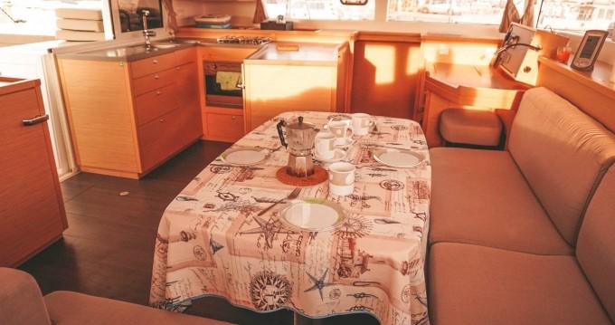 Rental yacht Nettuno - Lagoon Lagoon 450 on SamBoat