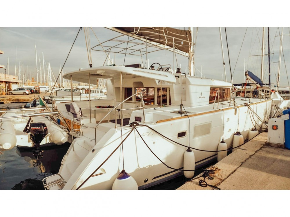 Rental Catamaran in Nettuno - Lagoon Lagoon 450