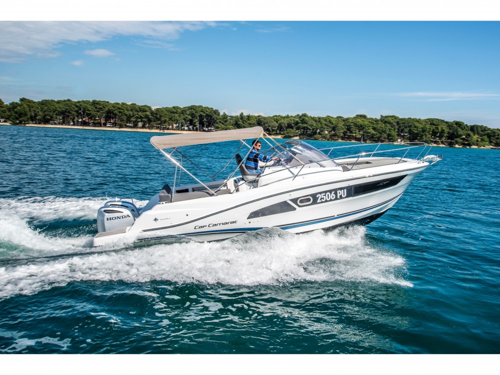 Hire Motor boat with or without skipper Jeanneau Pula