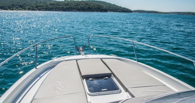 Boat rental Veruda cheap Jeanneau Cap Camarat 9.0 WA