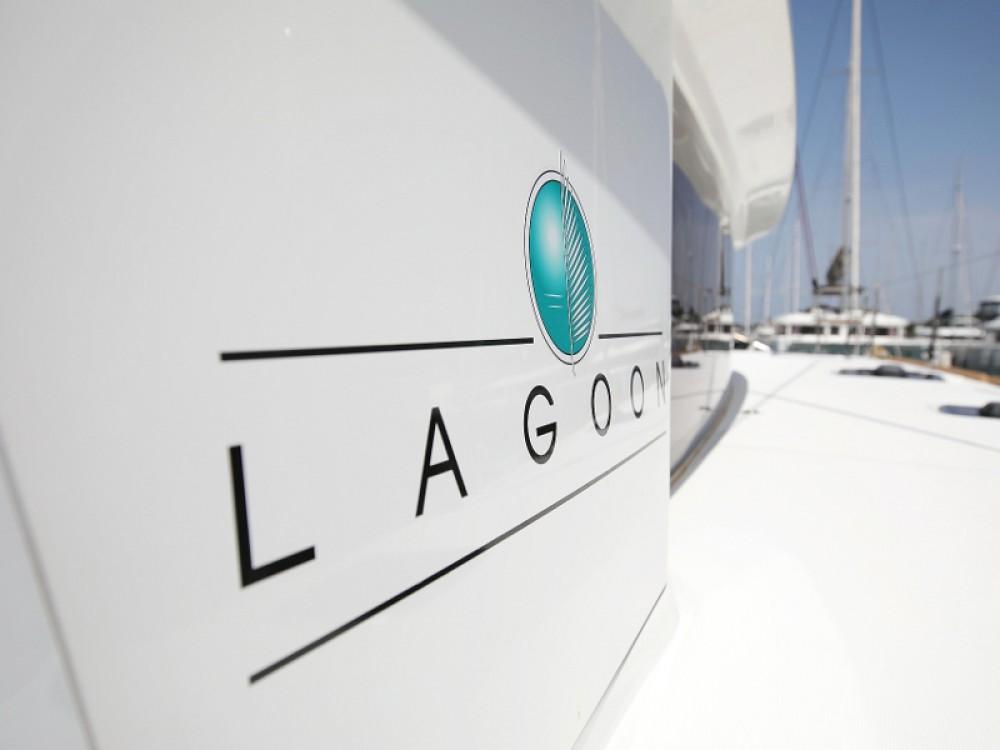 Rental Catamaran in Sukošan - Lagoon Lagoon 400 S2 LIMITED EDITION