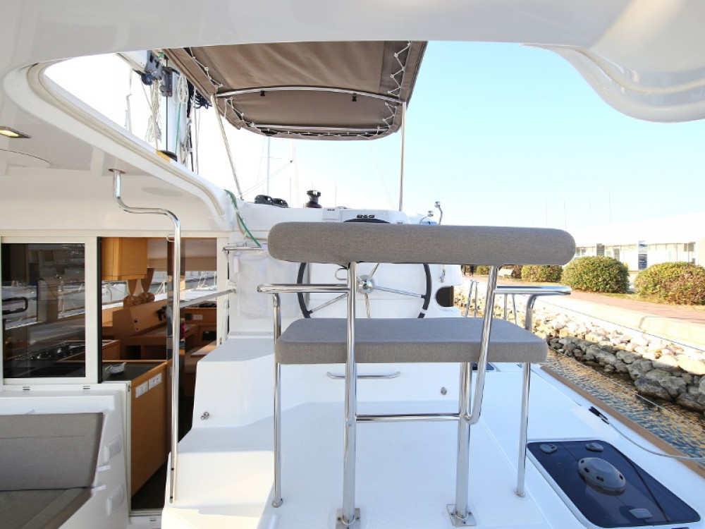 Rental Catamaran in Sukošan - Lagoon Lagoon 39