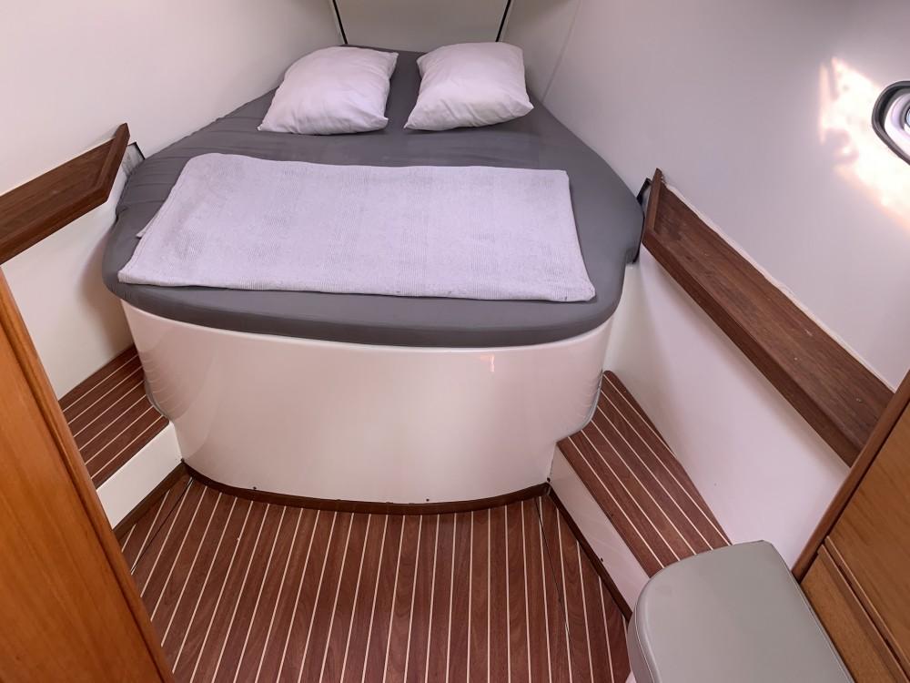 Rental Sailboat in Laurium - Bavaria Bavaria 46 Cruiser