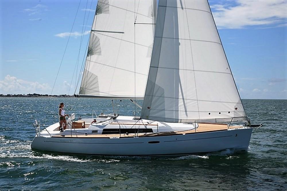 Rental yacht Greece - Bénéteau Oceanis 37 on SamBoat