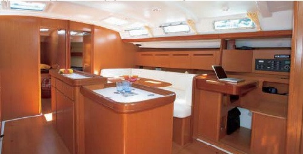 Bénéteau Cyclades 50.5 between personal and professional Aegean