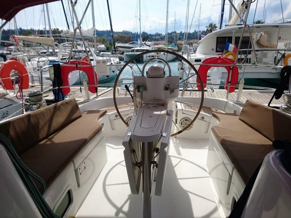 Boat rental Bénéteau Oceanis 423 in Corfu on Samboat