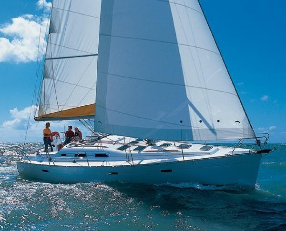 Bénéteau Oceanis 393 between personal and professional Laurium