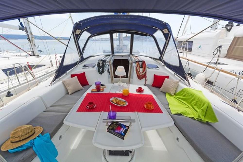 Rent a Bénéteau Oceanis 54 Corfu