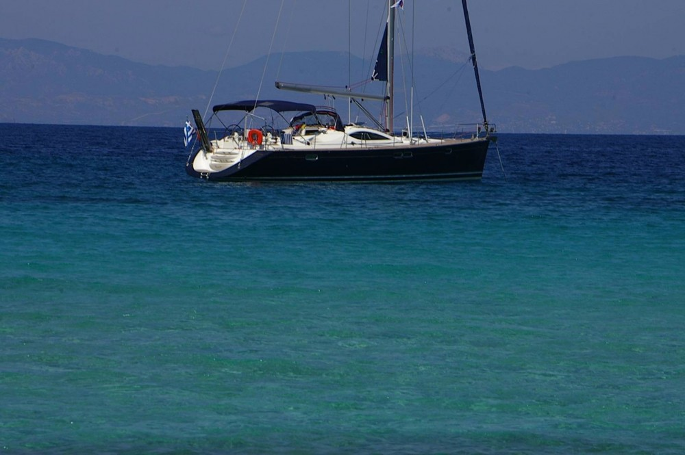 Jeanneau Sun Odyssey 54 DS between personal and professional Athens