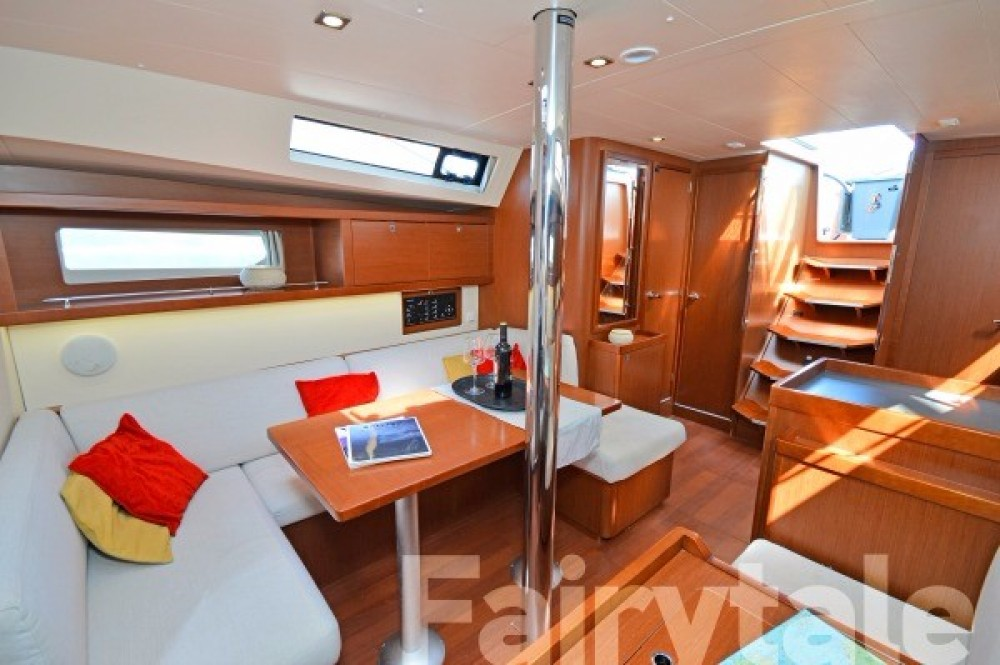 Rental yacht  - Bénéteau Oceanis 41 on SamBoat