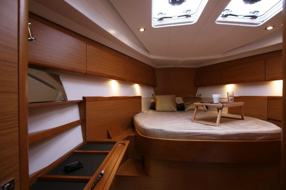 Rent a Jeanneau Sun Odyssey 44i Peloponnese, West Greece and Ionian Sea
