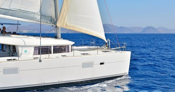 Rental Catamaran in Skiathos - Lagoon Lagoon 400