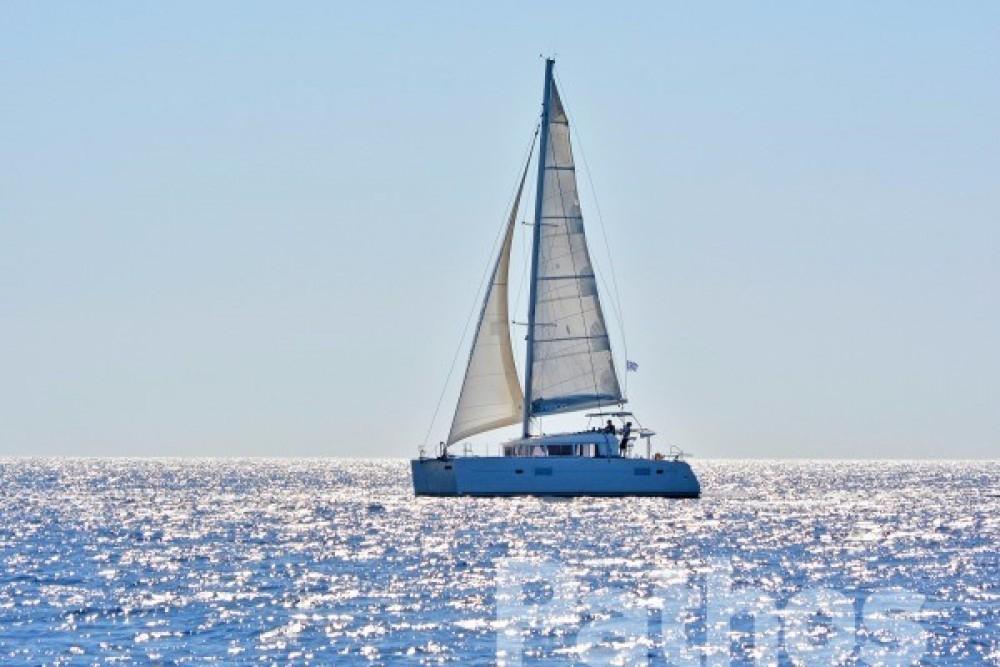 Rental Catamaran in Skiathos - Lagoon Lagoon 400