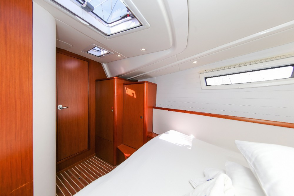 Boat rental  cheap Vision 46
