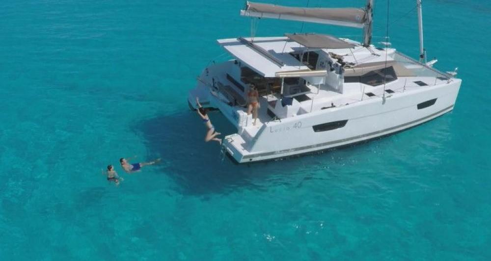 Boat rental Fountaine Pajot Fountaine Pajot Lucia 40 in Croatia on Samboat