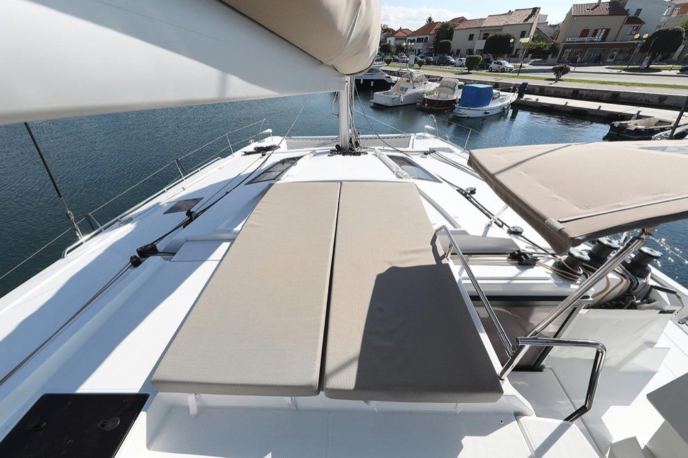 Fountaine Pajot Fountaine Pajot Saona 47 (Quintet) - 5 + 1 cab. between personal and professional