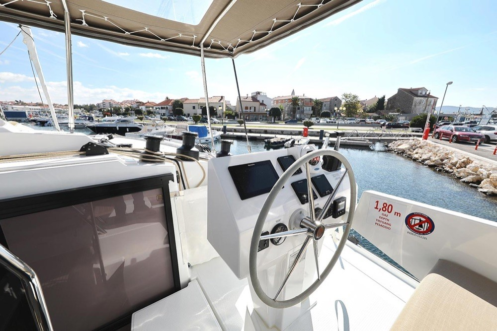 Rental yacht  - Fountaine Pajot Fountaine Pajot Saona 47 (Quintet) - 5 + 1 cab. on SamBoat