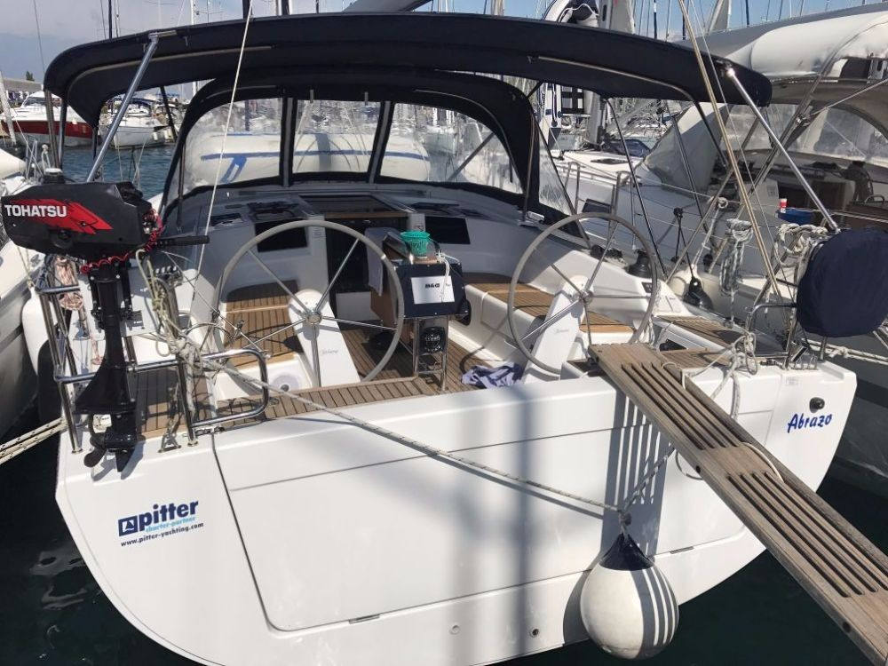Rental Sailboat in Pirovac - Hanse Hanse 385