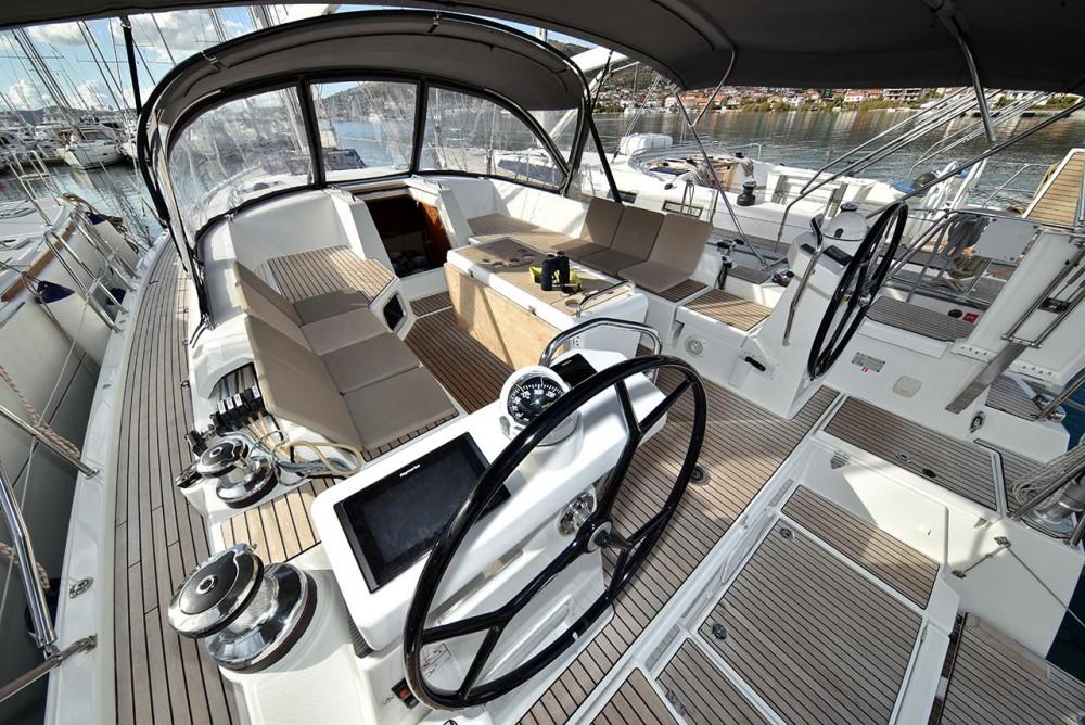 Boat rental  cheap Jeanneau 54 - 5 + 1 cab.