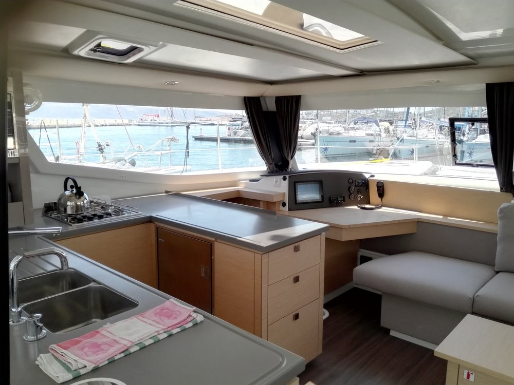 Hire Catamaran with or without skipper Fountaine Pajot Peloponnese