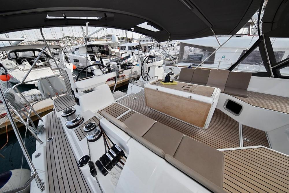 Rental yacht  - Jeanneau Jeanneau 54 - 5 + 1 cab. on SamBoat
