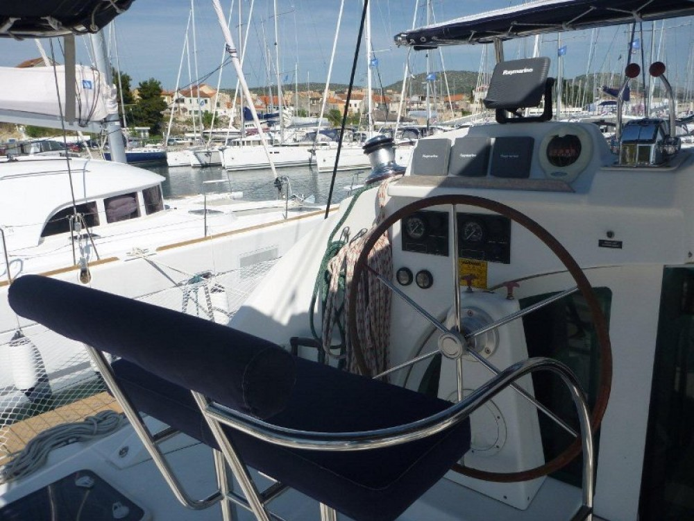 Boat rental Šibenik cheap Lagoon 380