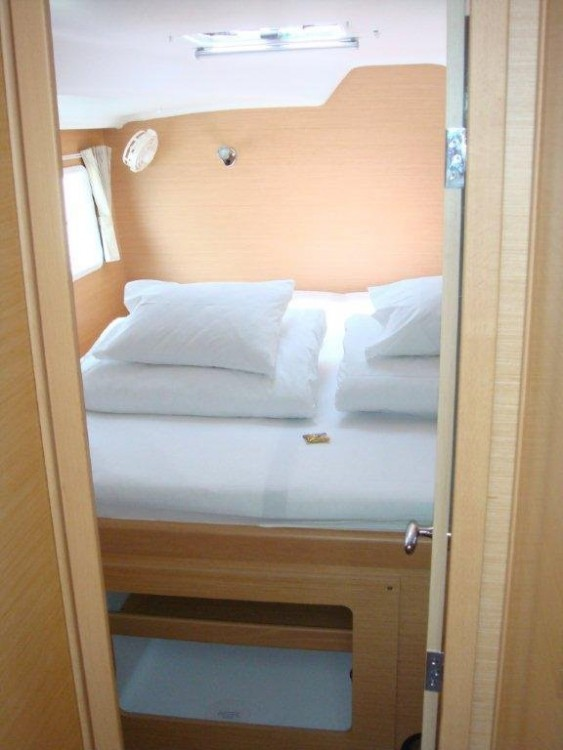 Rental Catamaran in Vólos - Lagoon Lagoon 380 S2