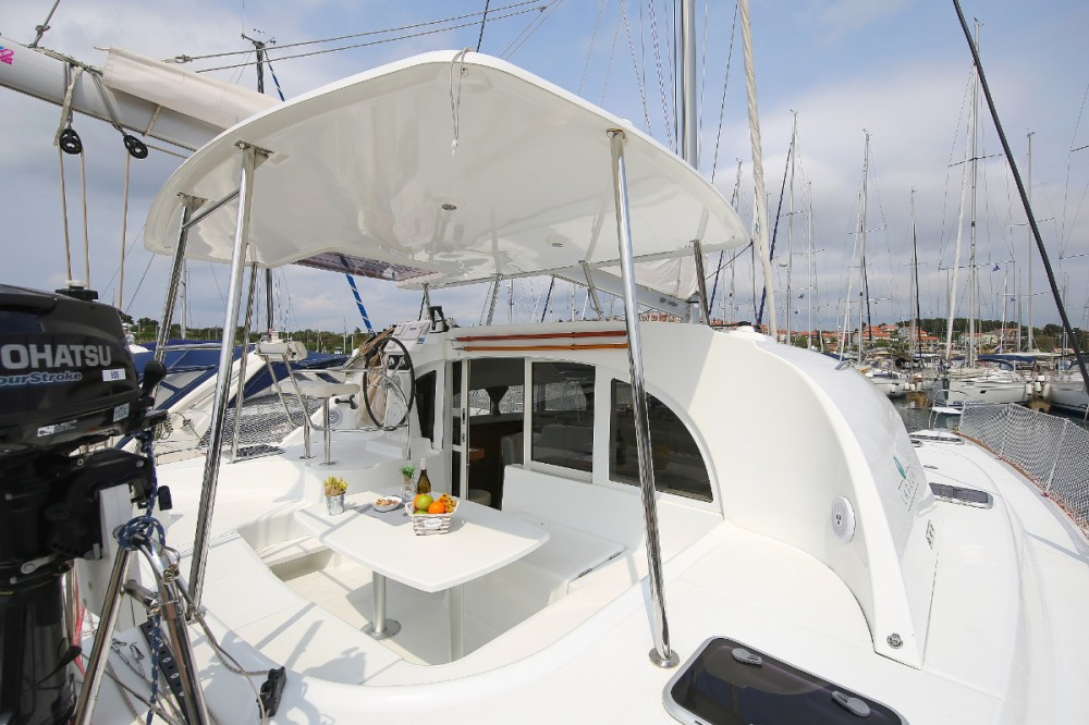 Hire Catamaran with or without skipper Lagoon Grad Pula