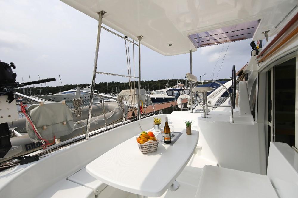 Rental yacht Pula - Lagoon Lagoon 380 on SamBoat