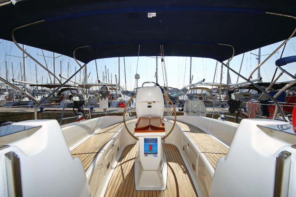 Rent a Bavaria Cruiser 39
