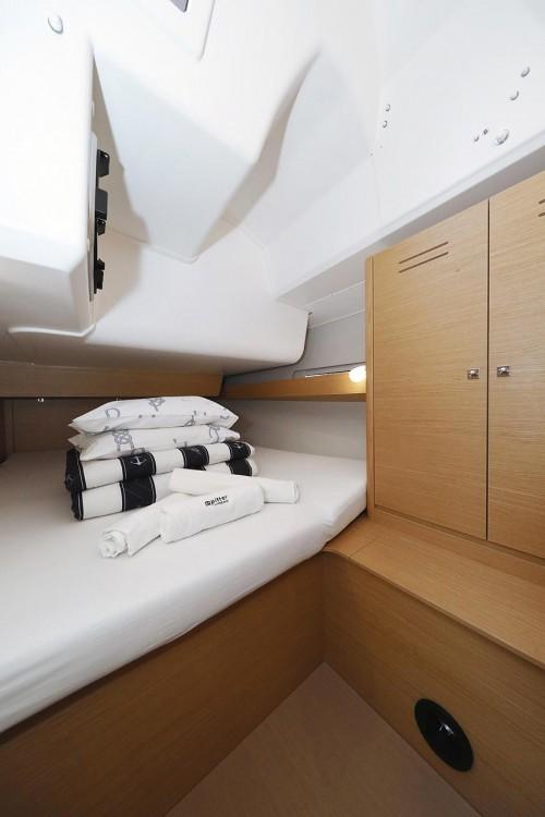 Boat rental Dufour Dufour 460 GL in Trogir on Samboat