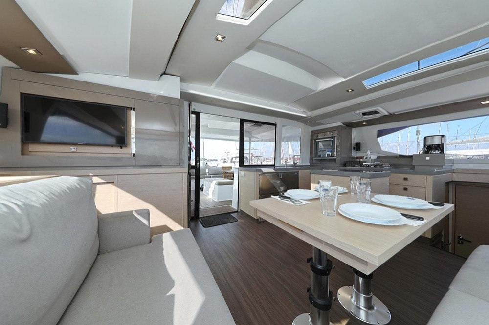 Rent a Fountaine Pajot Fountaine Pajot Saona 47 (Quintet) - 5 + 1 cab.