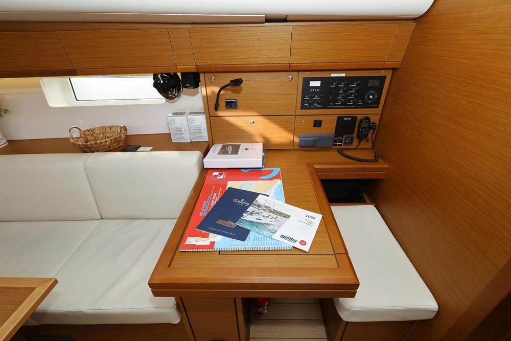 Rental Sailboat in  - Jeanneau Jeanneau 54 - 5 + 1 cab.