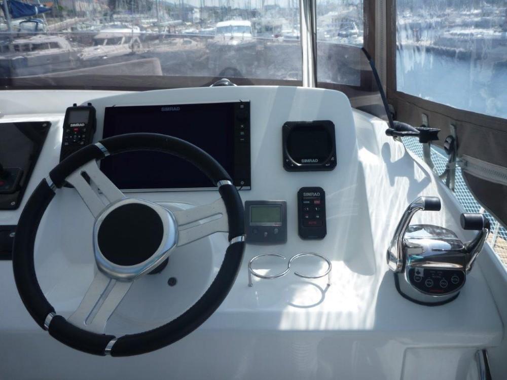 Boat rental Lagoon Lagoon 40 Motor Yacht in Šibenik on Samboat