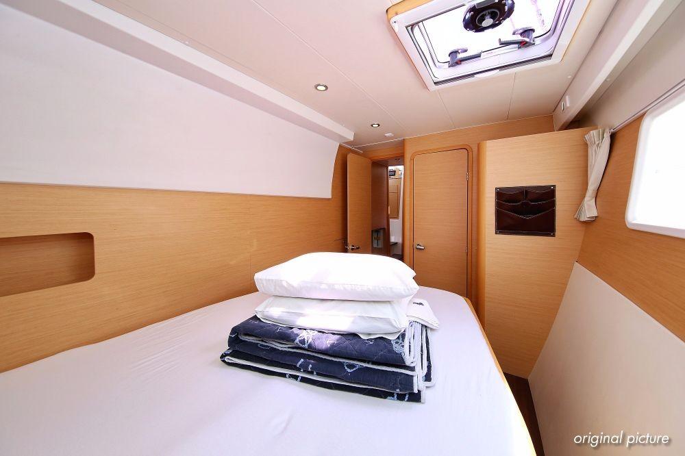 Boat rental Croazia cheap Lagoon 400