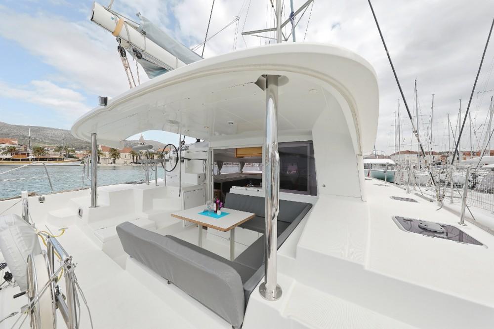 Rental Catamaran in Trogir - Lagoon Lagoon 400