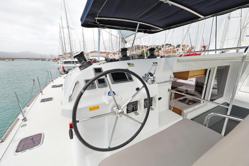 Rent a Lagoon Lagoon 400 Trogir