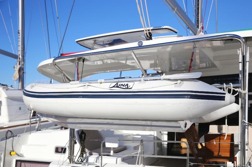 Boat rental Lagoon Lagoon 42 in Croazia on Samboat