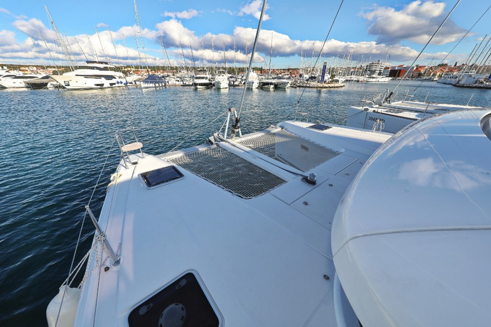 Hire Catamaran with or without skipper Lagoon Croazia
