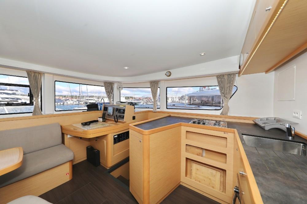 Boat rental Croazia cheap Lagoon 42